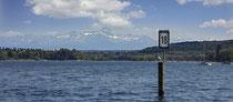 Seezeichen 18 vor der Mainaubucht mit Blick zum Säntis Massiv 190608-016