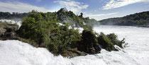 Wassermassen am Rheinfall 130704-003