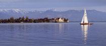 Segelboot vor Lindauer Pulverturm 150423-169