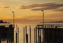 Sipplingen, Hafeneinfahrt in der Morgendämmerung 200130-047V