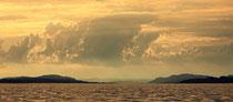 Kräftige Wolken im Abendlicht über dem Obersee  190620-324P