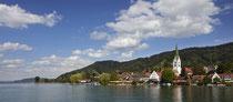 Sipplingen Uferanlage und Kirche Sankt Martin vom See aus 190730-021