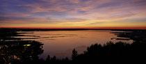 Blick vom Pfänder auf den Bodensee nach Sonnenuntergang  190912-051.