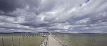 Iznang,  Bootsanleger unter Sturmwolken 010101-001