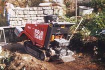 Geländegängige Baumaschine zum Materialtransport