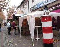 Stand mit transportablen Leuchtturm