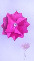 fleur en tissu  création brodée, pince à cheveux ,réalisée par Maria Salvador