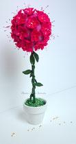 Création topiaire fleuri en porcelaine froide