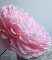 Création d'une rose géante en papier ,avec tige