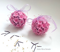Création mini boule de fleurs en porcelaine froide
