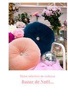 Fleurs en papier couleur fuchsia, mauve lavande, ivoire et rose pastel pour le Bazar de noël pour la maison Des Petits Hauts