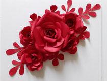 Composition floral, décoration e=fleurs en papier, Paris, Atelier Maria Salvador.
