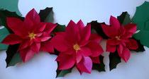 Décoration spéciale Noel fleurs en papier cartonnée teintées et vernis