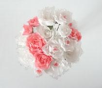 Bouquet de mini-roses en papier crépon