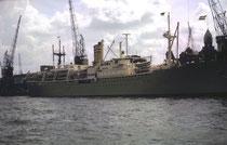 """Am 12. Juli 1963 bin ich in Rotterdam an Bord der SS Waterman gegangen. Sie war ein """"Studentenschiff"""", das uns für einen relativ günstigen Preis nach New York fuhr. Auf dem Schiff gab es eine Studenten-Diexielandjazzband in der ich bald mitspielen durfte."""