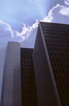 Jemand hat einmal gesagt, die Wolkenkratzer seien die modernen Kathedralen Amerikas. In der Tat haben mich damals insbesondere die in den Himmel ragenden Bauten aus Glas, Beton und Stahl des relativ neuen Stadtzentrums von Pittsburgh sehr beeindruckt.