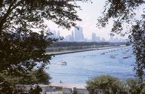 Chicago ist die drittgrösste Stadt der USA. Dank der Lage am Südwestufer des Michigansees (Verbindung über den Wasserweg mit dem Atlantik und New York) gibt es durchaus idyllische und malerische Ausblicke.