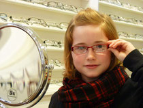 Kinderbrillen müssen viel aushalten, toll aussehen und vor allem gut sitzen...