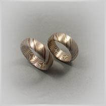 Ringe in Silber und Kupfer. In aufwendiger Mokume-Gane-Technik gearbeitet.