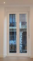 ventana puerta balconera, abatible +oscilobatiente vidrio transparente climalit y caja de persiana incluida
