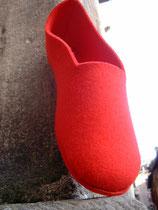 p o p e     cardinal red wool felt  2 0 0 e