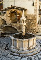 Fontecchio, Fontana Trecentesca