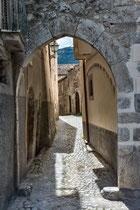 Fontecchio, Porta dell'Orso