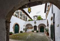 Sulmona, cortile interno palazzo Tabassi