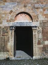 San Pietro ad Oratorium, portale