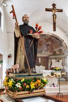 Villavallelonga, La preziosa statua lignea del '600 di Sant'Antonio Abate.