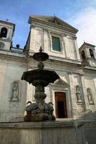 Pratola Peligna, chiesa della Madonna della Libera e la fontana monumentale