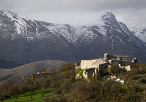 Alba Fucens, borgo medioevale