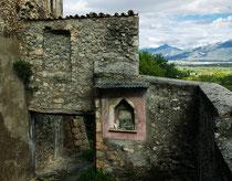 Prezza, resti della fortificazione medioevale