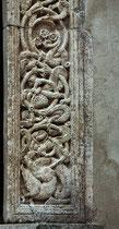Rosciolo, Santa Maria delle Grazie. particolare del portale a destra