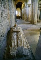 San Clemente a Casauria, tomba
