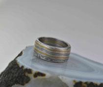 6E - Breiter (ca.9,4 cm) Mokume Gane Ring Gelbgold 22K, Palladium 500, Sterlingsilber