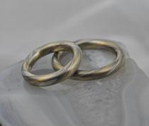 2G13 rund geschmiedete Mokume Gane Trauringe  - Gold 22K, Palladium 500, Silber 935