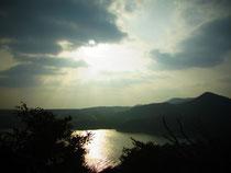 頂上からは岬の丘も見渡せて・・・・