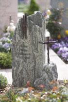 Lápida sepulcral en el cementerio de Therwil - Bronce