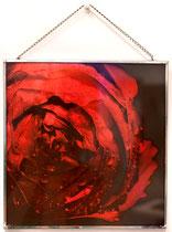 Rosemonde. Tirage positif sur verre. Satin rouge. Encadrement à la soudure. 20 x 20 cm.