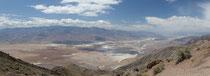 Une partie de Death Valley, vue du Dante's View : c'est vraiment immense !