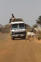 Sénégal, Région d'Mbour route pour un marché hebdomadaire