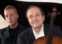Photo:Andrea Felvégi ミクローシュ・ペレーニ&ベンジャミン・ペレーニです!ペレーニ氏、優しそうなお父様ですねえ~。ほのぼのとしたお写真です。