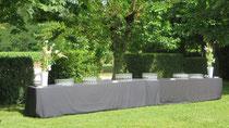 Réception dans les jardins au château près d'Albi