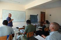 Volkshochschule mit Prof. Dr. habil. Volkmar Kreissig in Kenia, Foto Dirk Wieland
