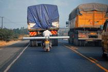 Materialtransport auf Kenianisch Foto Bert Harzer
