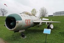 MiG19 905-2