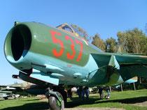 MiG 17F 537-7