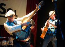 Victor & Javier Santos en: Victor Coyote vuelve al Rockabilly por Navidad. Sala El Sol 2012 Foto:Alfonso Camarero Orive