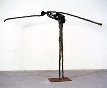 si título, 1997, 197x60x300 cm, hierro, papel